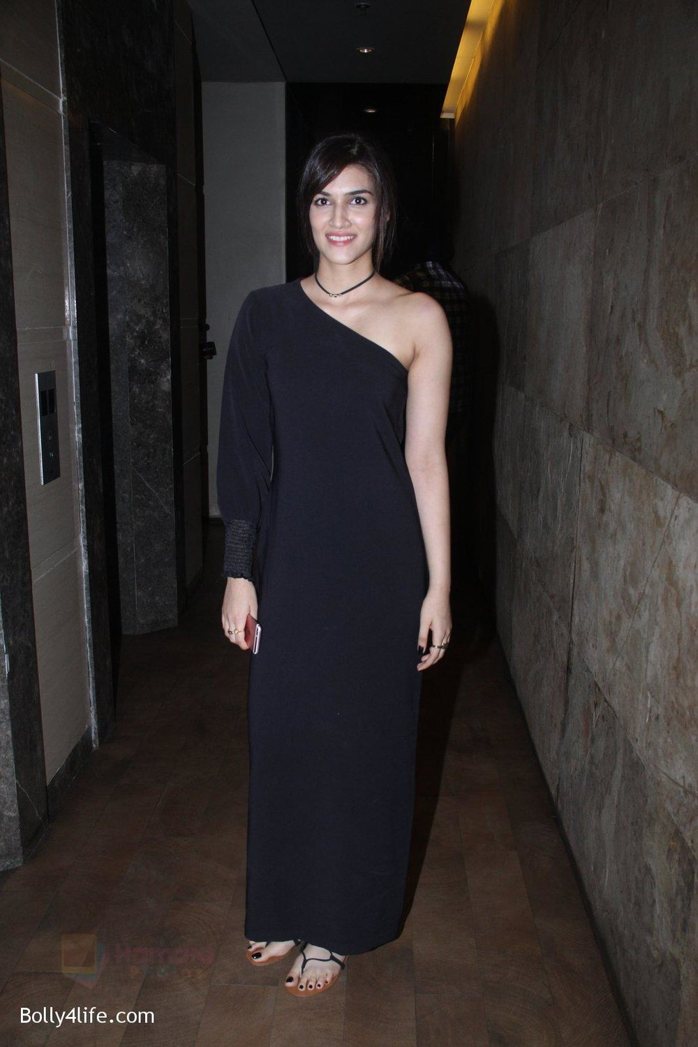 Kriti-Sanon-at-Pink-Screening-in-Lightbox-on-12th-Sept-2016-108.jpg