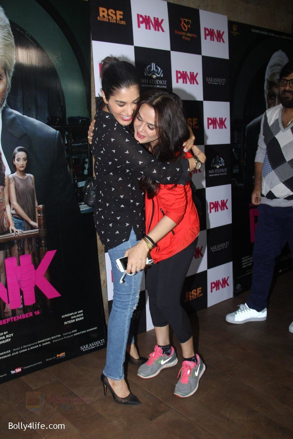 Preity-Zinta-at-Pink-Screening-in-Lightbox-on-12th-Sept-2016-126.jpg