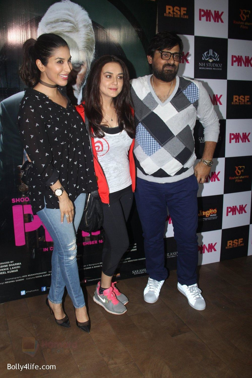 Preity-Zinta-at-Pink-Screening-in-Lightbox-on-12th-Sept-2016-127.jpg