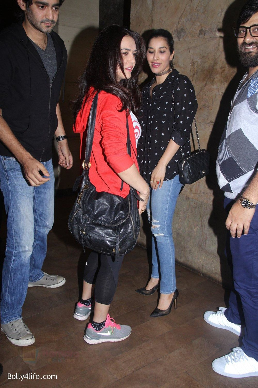 Preity-Zinta-at-Pink-Screening-in-Lightbox-on-12th-Sept-2016-128.jpg