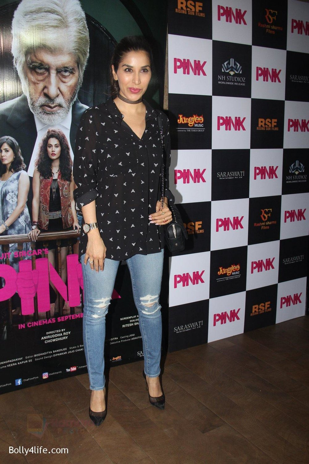 Sophie-Chaudhary-at-Pink-Screening-in-Lightbox-on-12th-Sept-2016-71.jpg
