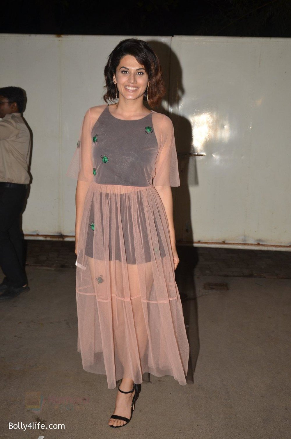 Taapsee-Pannu-at-Pink-Screening-in-Sunny-Super-Sound-on-12th-Sept-2016-34.jpg