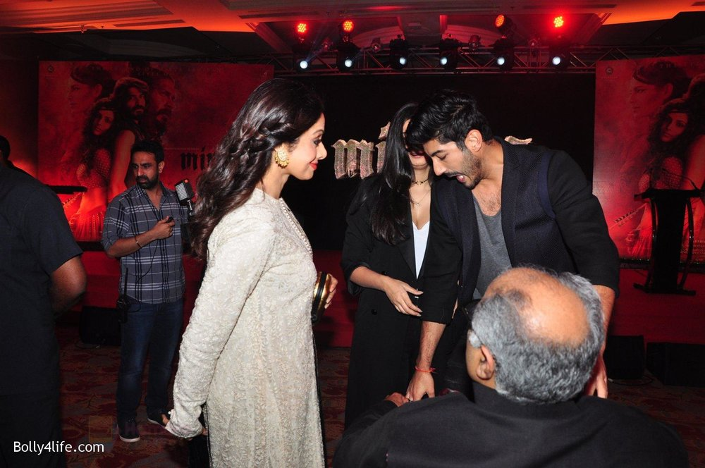 Sonam-Kapoor-at-the-Audio-release-of-Mirzya-on-13th-Sept-2016-64.jpg