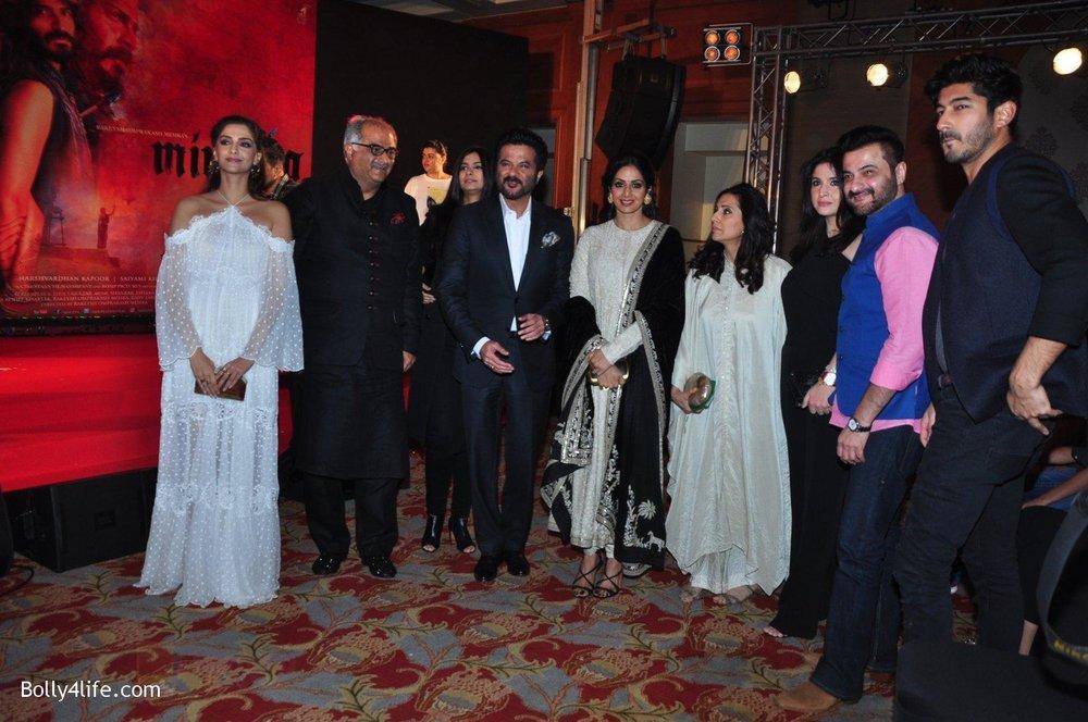 Rhea-Kapoor-Sonam-Kapoor-Harshvardhan-KapoorAnil-kapoor-Sridevi-Boney-Kapoor-Sanjay-Kapoor-at-the-Audio-release-of-Mirzya-on-13th-Sept-2016-97.jpg