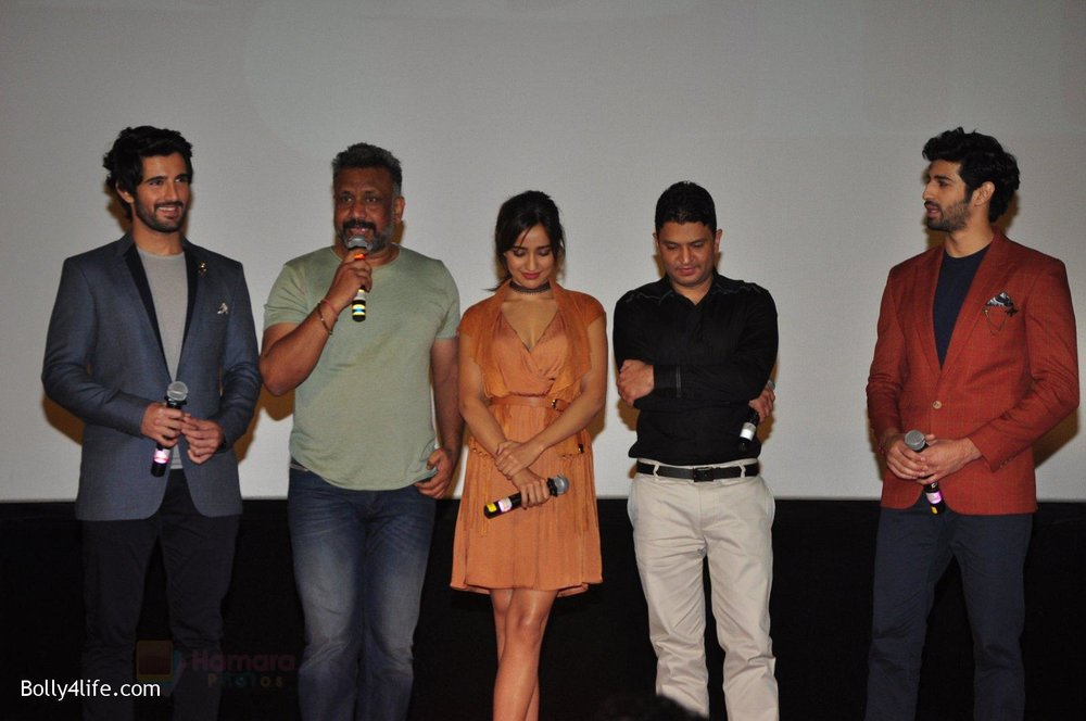 Aashim-Gulati-Neha-Sharma-Aditya-Seal-Anubhav-Sinha-Bhushan-Kumar-at-the-Audio-release-of-Tum-Bin-2-on-14th-Sept-2016-84.jpg