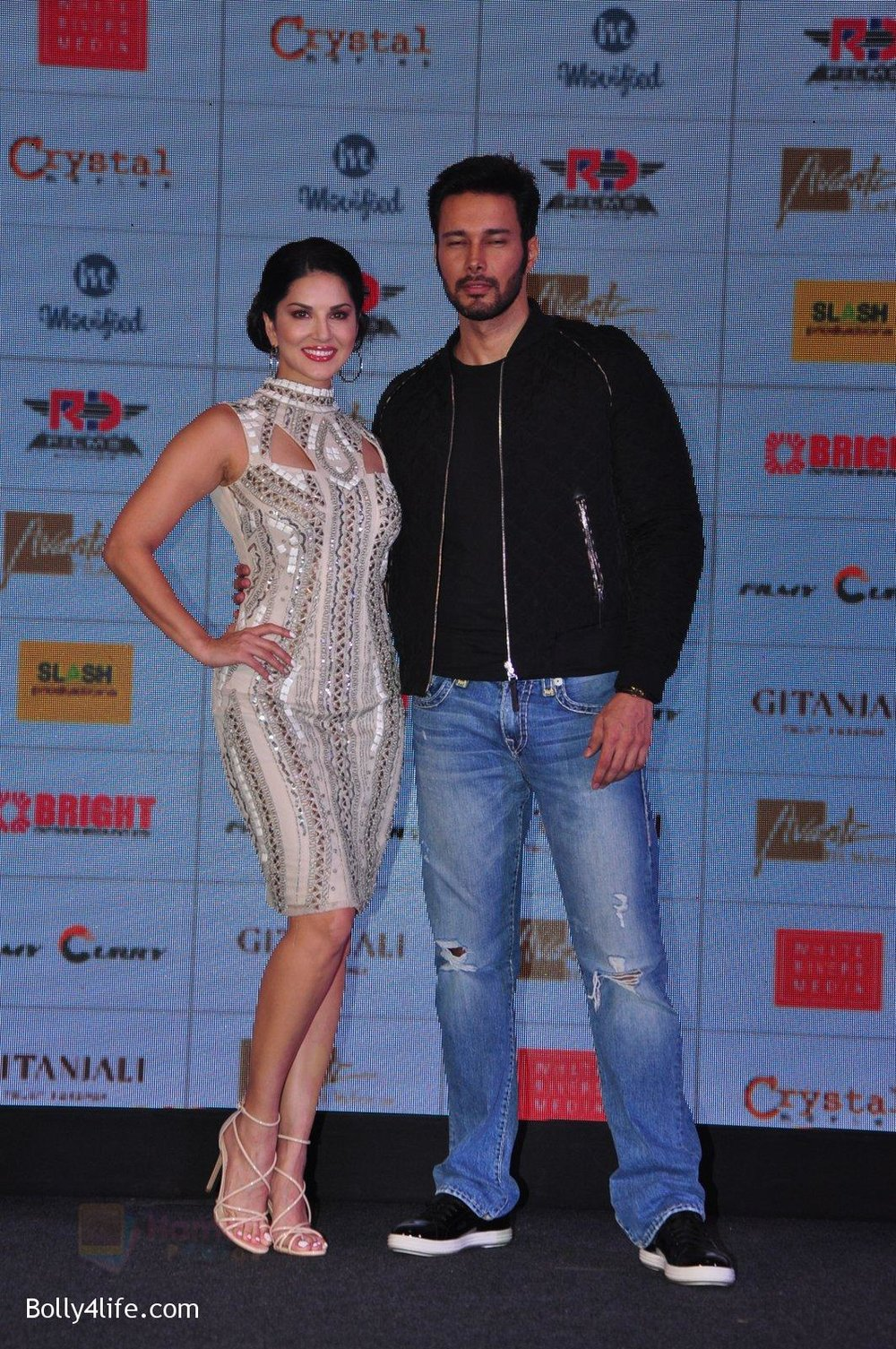Sunny-Leone-Rajneesh-Duggal-at-the-Audio-release-of-Beiimaan-Love-on-14th-Sept-2016-317.jpg