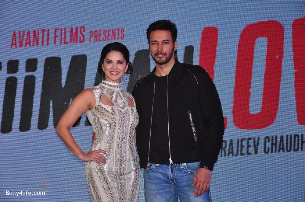 Sunny-Leone-Rajneesh-Duggal-at-the-Audio-release-of-Beiimaan-Love-on-14th-Sept-2016-321.jpg