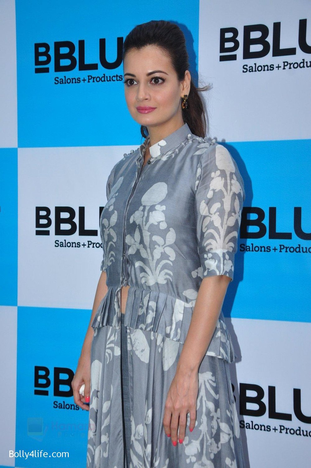 Dia-Mirza-launches-Bblunt-in-Malad-on-14th-Sept-2016-19.jpg