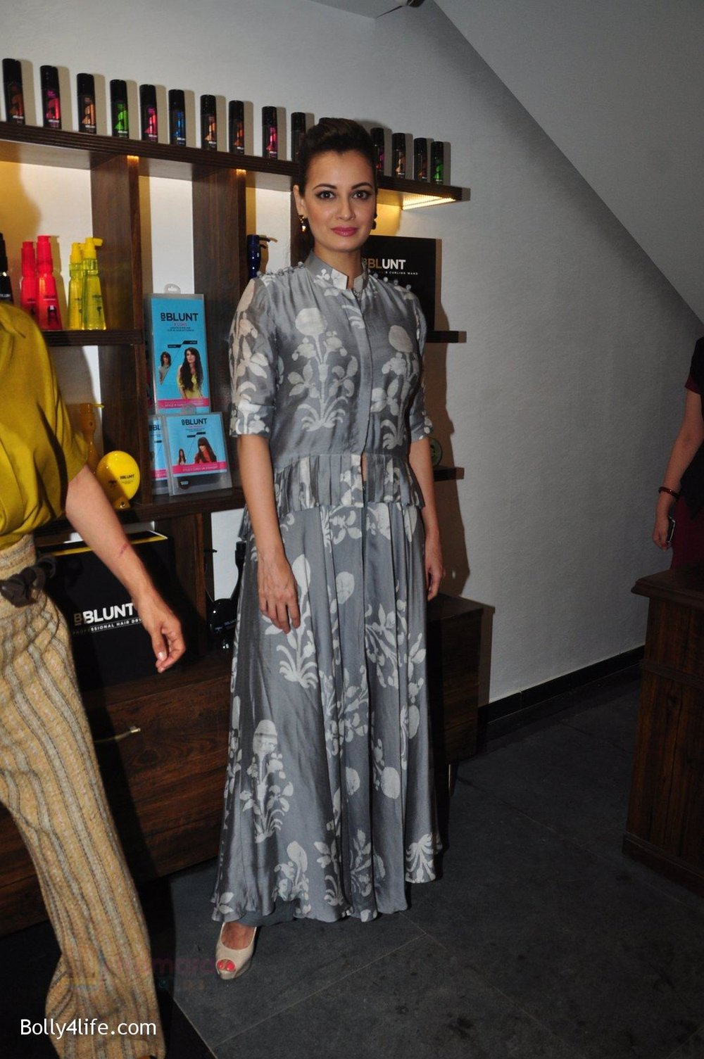 Dia-Mirza-launches-Bblunt-in-Malad-on-14th-Sept-2016-41.jpg