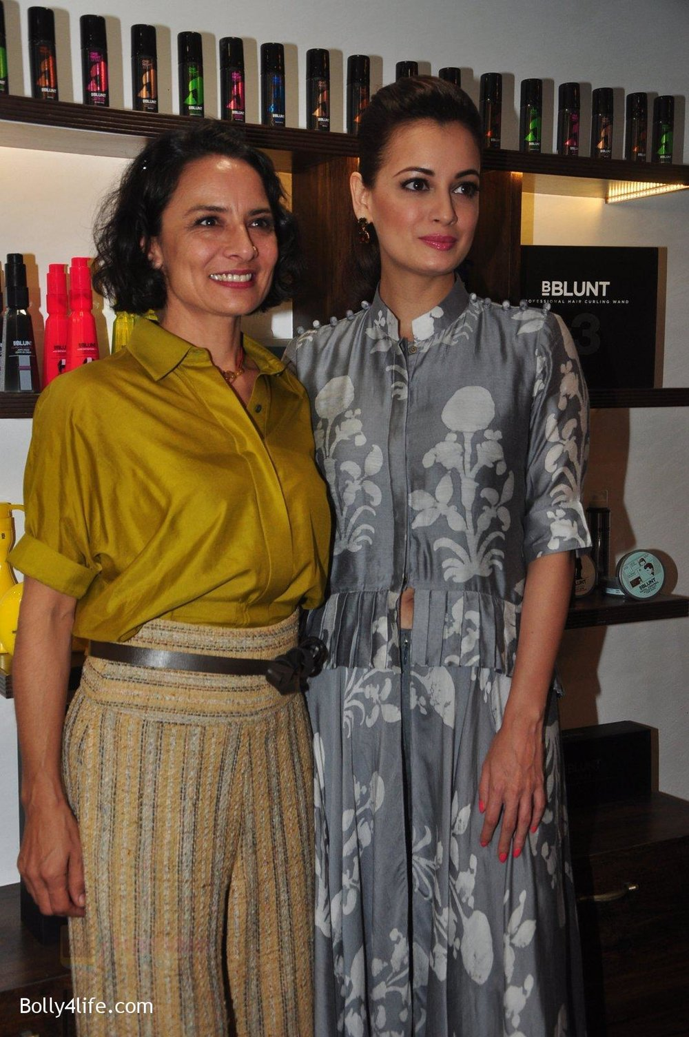 Dia-Mirza-Adhuna-Akhtar-launches-Bblunt-in-Malad-on-14th-Sept-2016-45.jpg