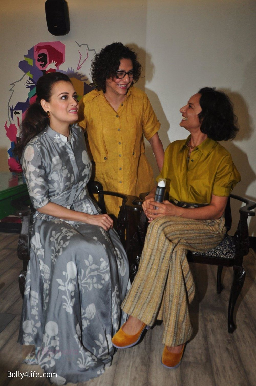 Dia-Mirza-Adhuna-Akhtar-launches-Bblunt-in-Malad-on-14th-Sept-2016-60.jpg