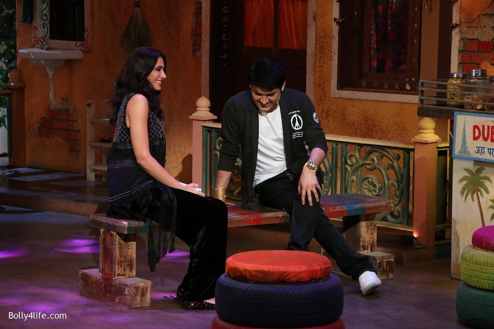 Kapil-Sharma-Nargis-Fakhri-on-the-sets-of-The-Kapil-Sharma-Show-on-15th-Sept-2016-3.jpg