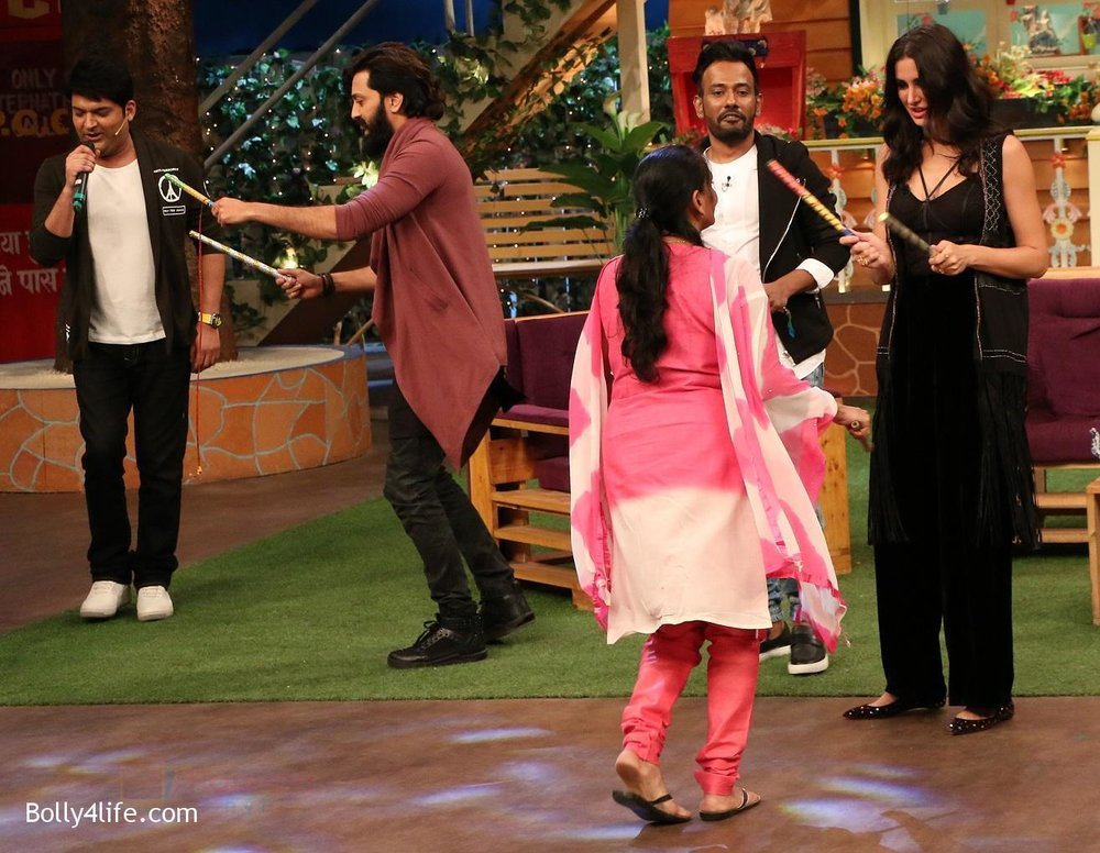 Riteish-Deshmukh-Nargis-Fakhri-and-Dharmesh-Yelande-on-the-sets-of-The-Kapil-Sharma-Show-on-15th-Sept-2016-6.jpg