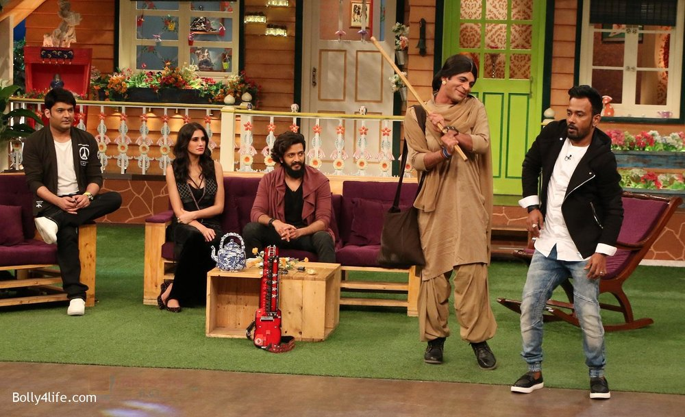 Riteish-Deshmukh-Nargis-Fakhri-and-Dharmesh-Yelande-on-the-sets-of-The-Kapil-Sharma-Show-on-15th-Sept-2016-7.jpg
