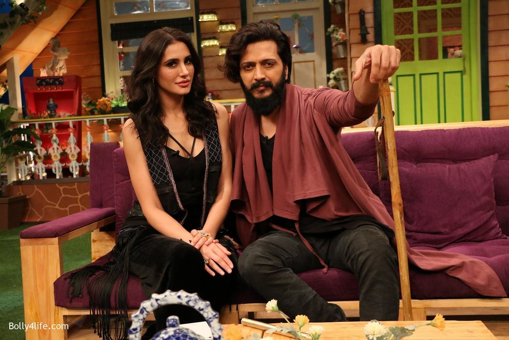 Riteish-Deshmukh-Nargis-Fakhri-on-the-sets-of-The-Kapil-Sharma-Show-on-15th-Sept-2016-13.jpg