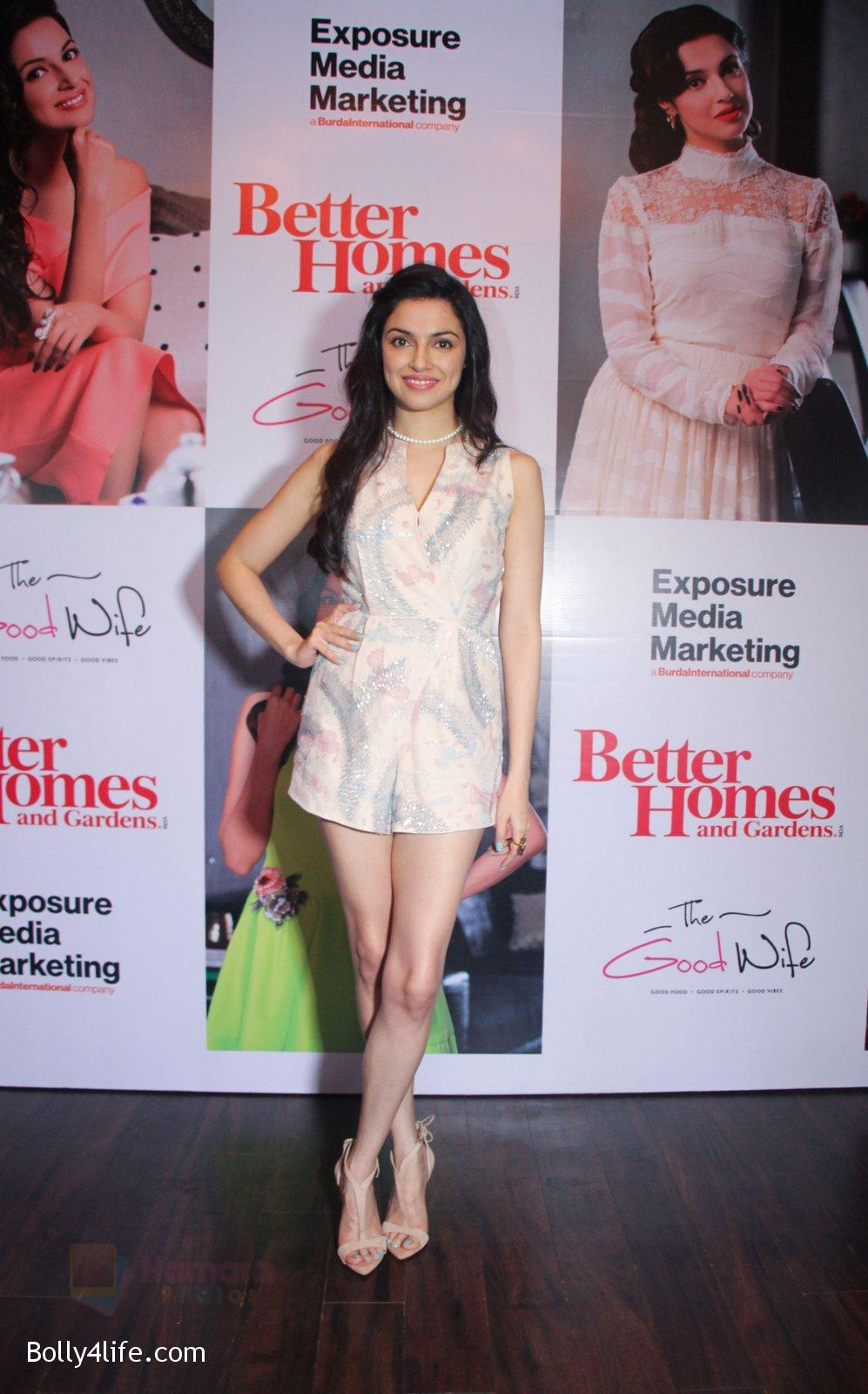 Divya-Khosla-Kumar-graces-the-success-party-celebrating-the-cover-story-of-Better-Homes-Gard-on-14th-Sept-2016-5.jpg