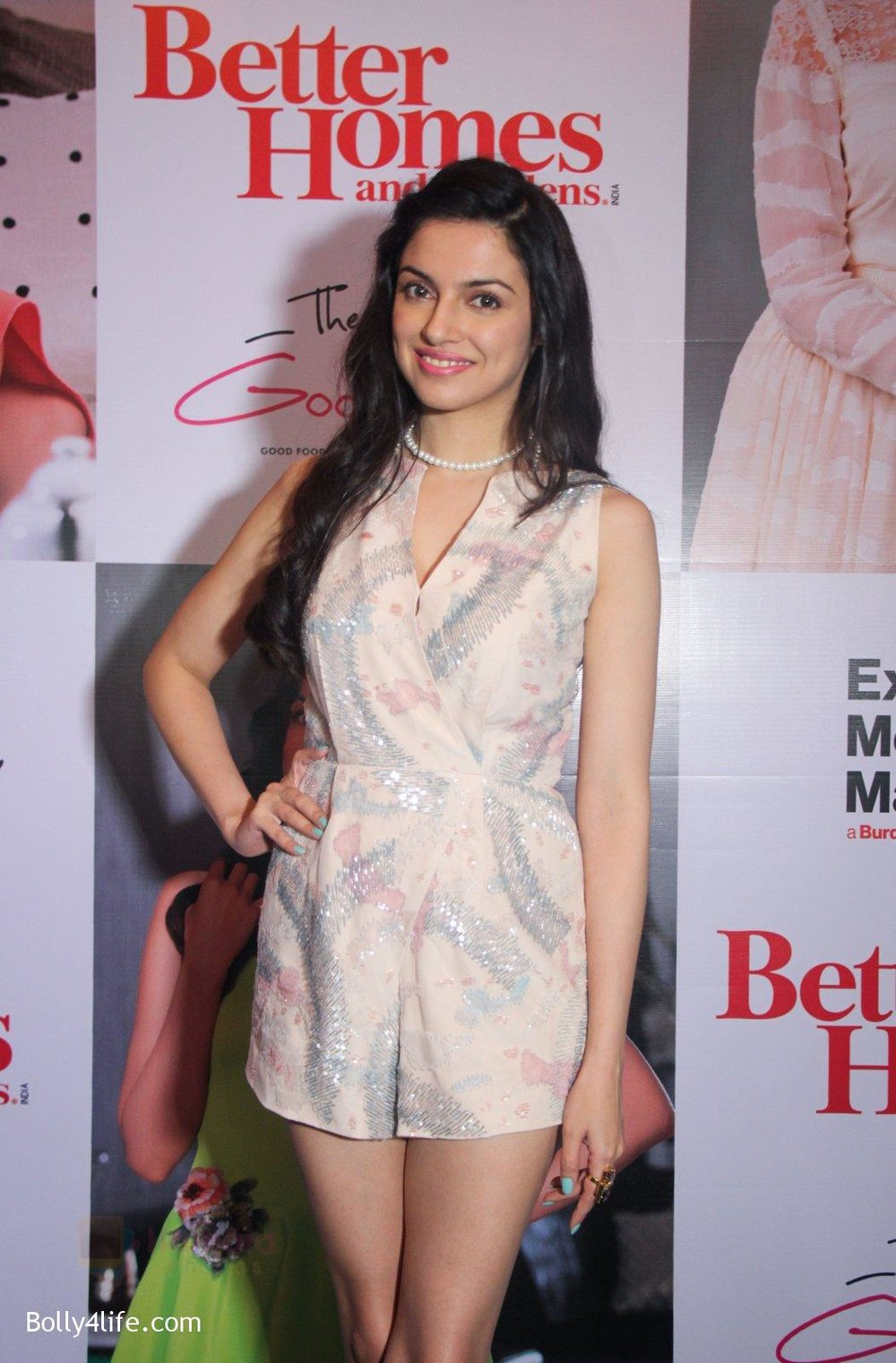 Divya-Khosla-Kumar-graces-the-success-party-celebrating-the-cover-story-of-Better-Homes-Gard-on-14th-Sept-2016-7.jpg