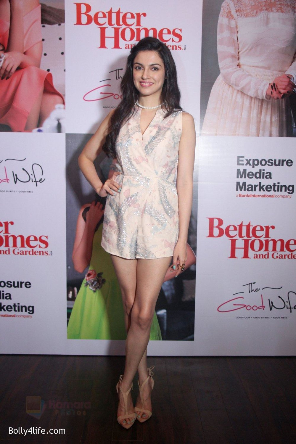 Divya-Khosla-Kumar-graces-the-success-party-celebrating-the-cover-story-of-Better-Homes-Gard-on-14th-Sept-2016-9.jpg