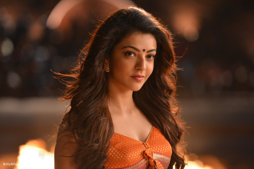Kajal-Aggarwal-from-Pakka-Local-Song-in-Janatha-Garage-4.jpg