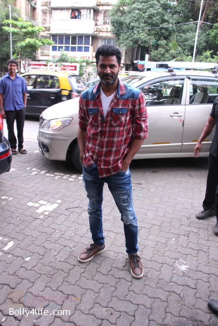 Prabhu-Deva-at-Tutak-Tutak-Tutiya-Song-launch-on-19th-Sept-2016-50.jpg