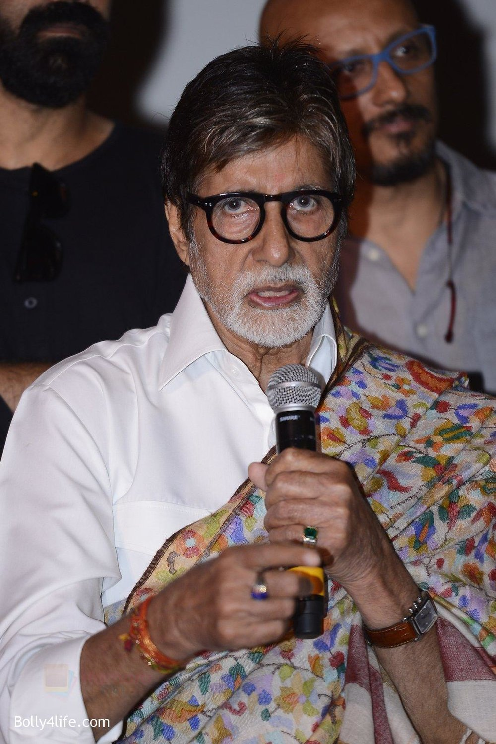 Amitabh-Bachchan-at-Pink-success-meet-on-19th-Sept-2016-27.jpg