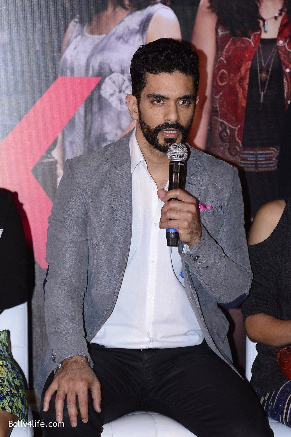 Angad-Bedi-at-Pink-success-meet-on-19th-Sept-2016-48.jpg