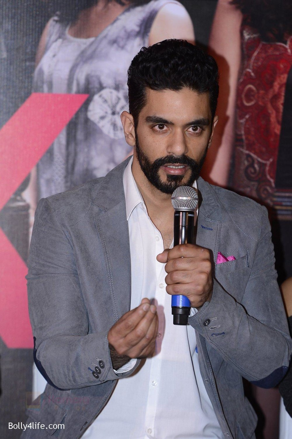 Angad-Bedi-at-Pink-success-meet-on-19th-Sept-2016-50.jpg