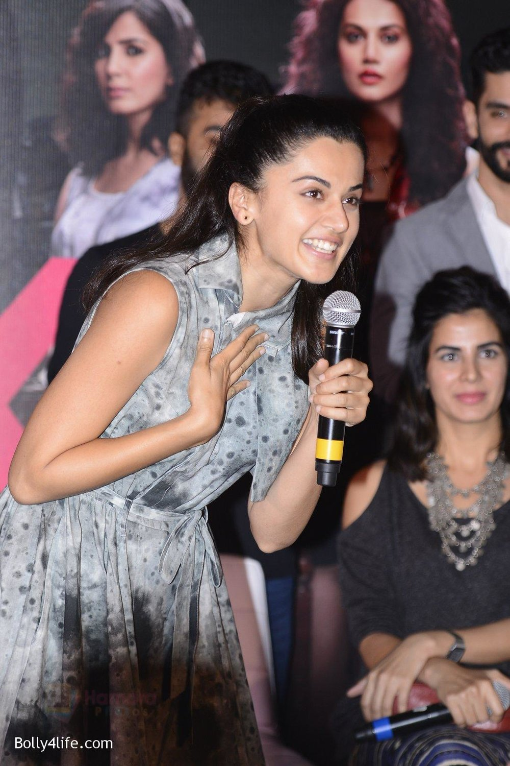 Taapsee-Pannu-at-Pink-success-meet-on-19th-Sept-2016-100.jpg