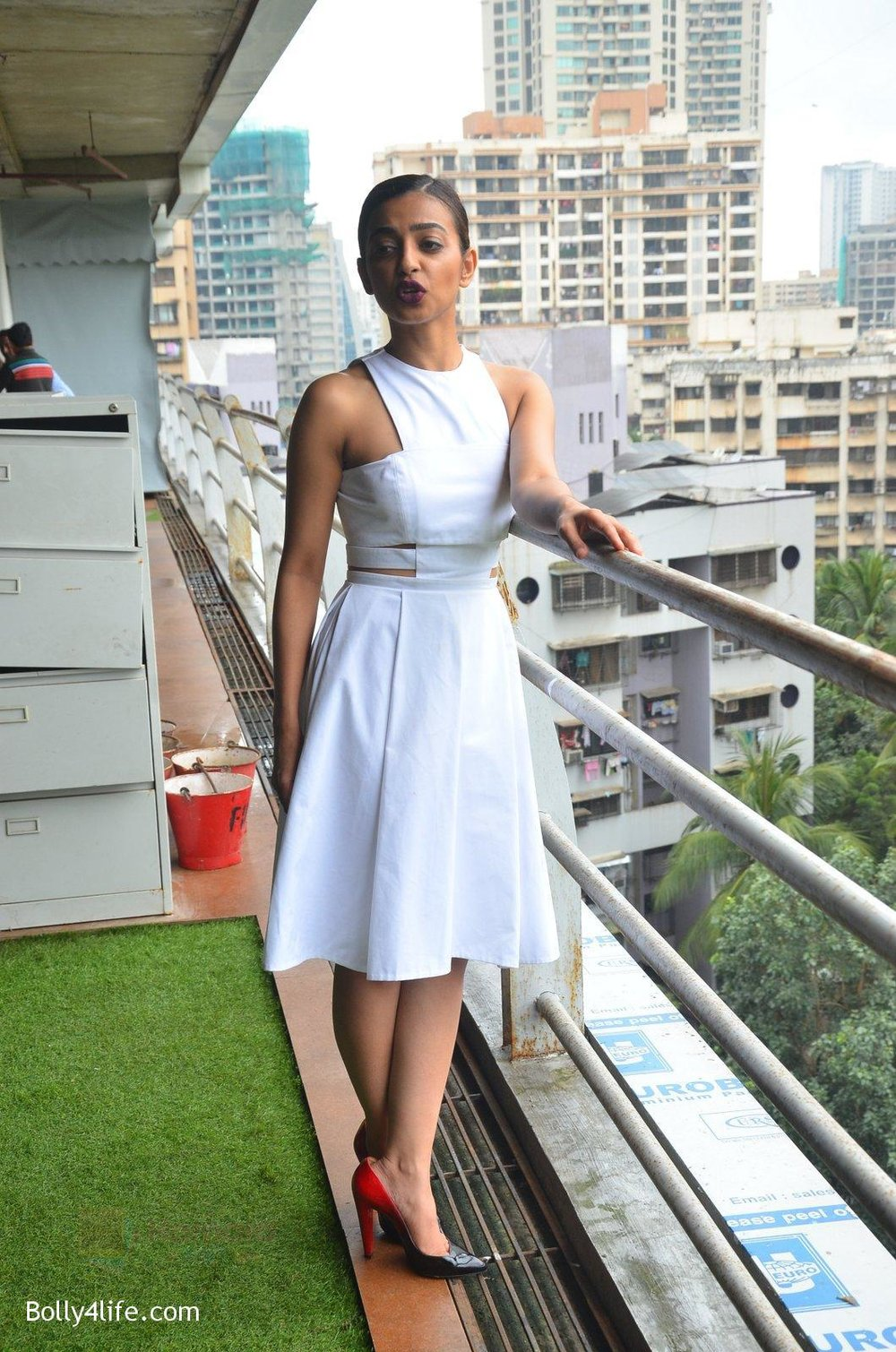 Radhika-Apte-at-Parched-Photoshoot-on-17th-Sept-2016-23.jpg