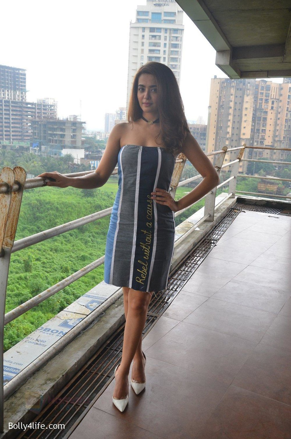 Surveen-Chawla-at-Parched-Photoshoot-on-17th-Sept-2016-21.jpg