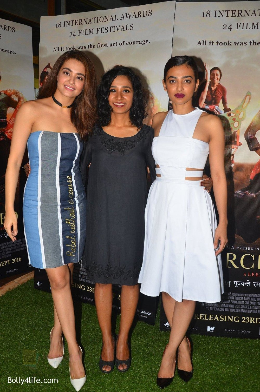 Surveen-Chawla-Tannishtha-Chatterjee-Radhika-Apte-at-Parched-Photoshoot-on-17th-Sept-2016-29.jpg