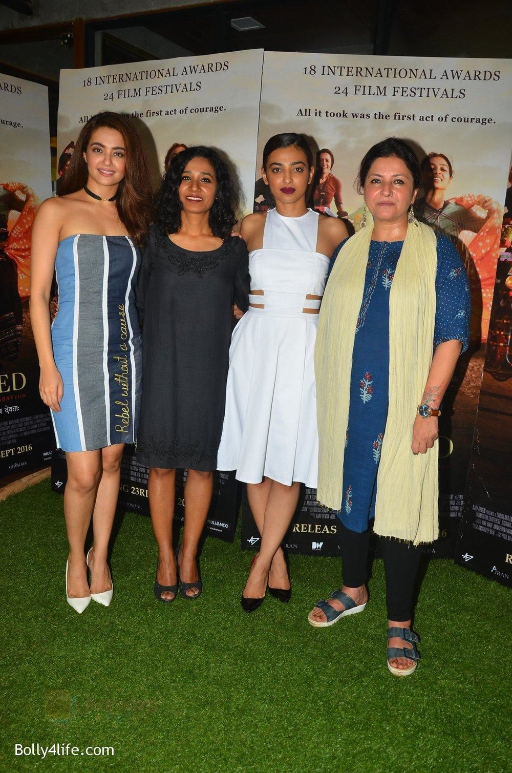 Surveen-Chawla-Tannishtha-Chatterjee-Radhika-Apte-Leena-Yadav-at-Parched-Photoshoot-on-17th-Sept-2016-27.jpg
