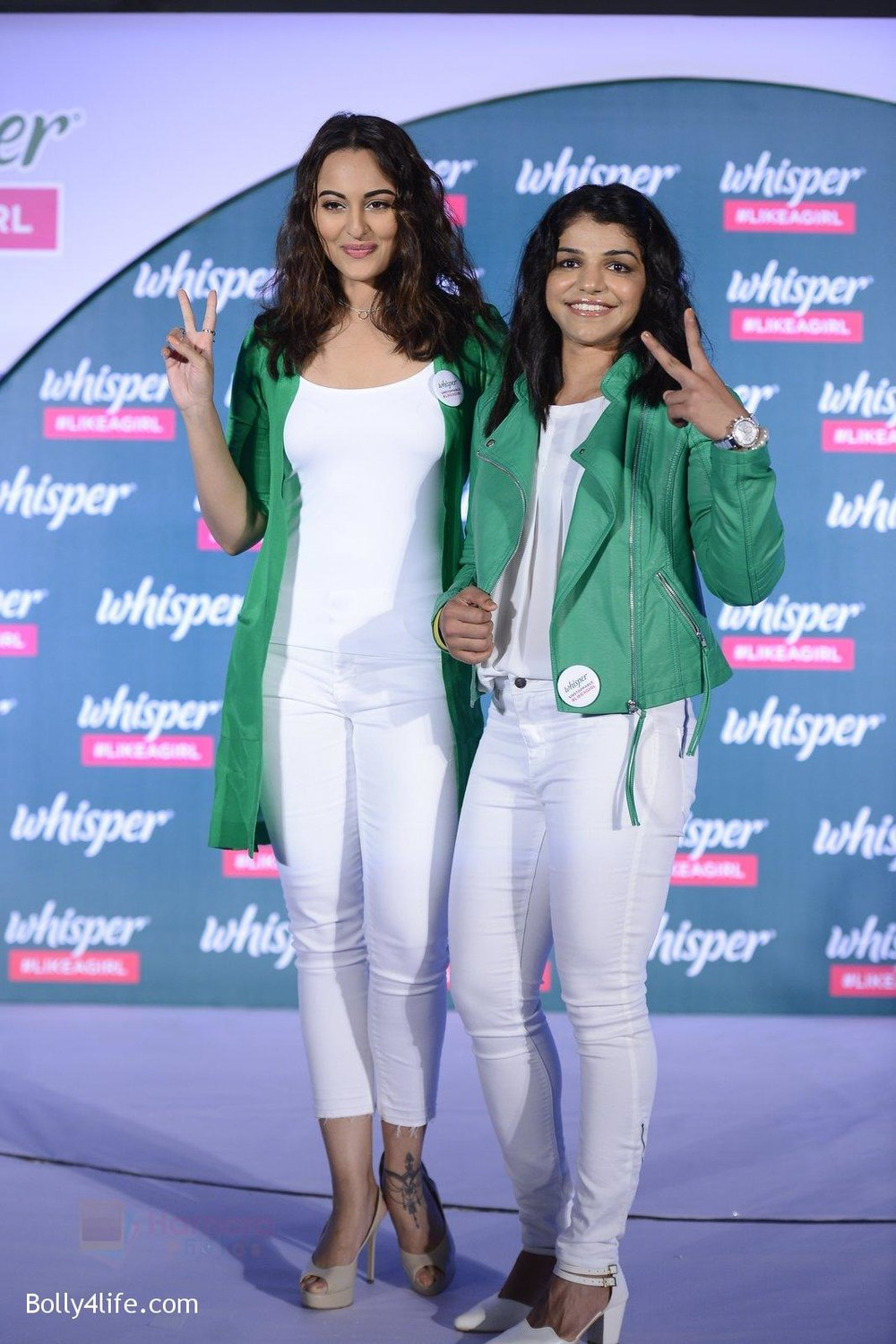 Sonakshi-Sinha-and-Sakshi-Malik-at-Whisper-new-campaign-launch-on-20th-Sept-2016-72.jpg