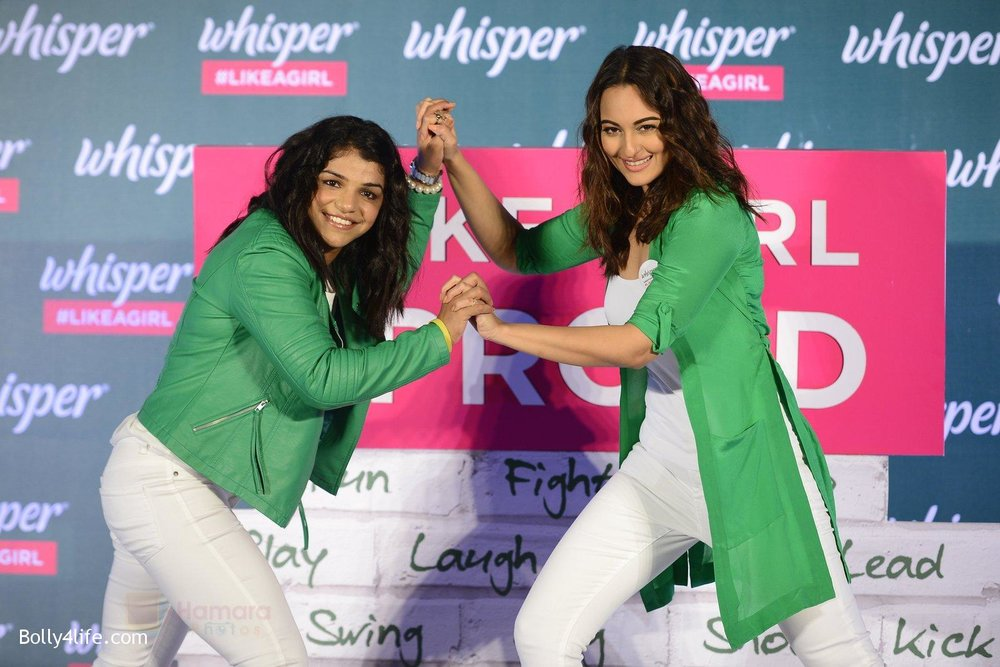Sonakshi-Sinha-and-Sakshi-Malik-at-Whisper-new-campaign-launch-on-20th-Sept-2016-104.jpg