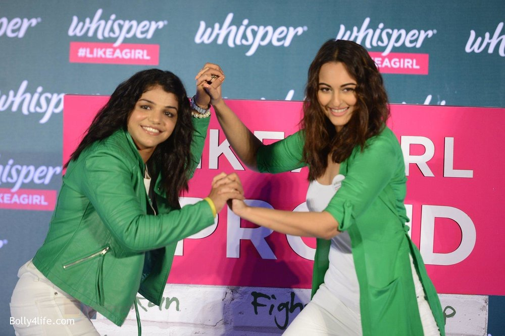 Sonakshi-Sinha-and-Sakshi-Malik-at-Whisper-new-campaign-launch-on-20th-Sept-2016-110.jpg