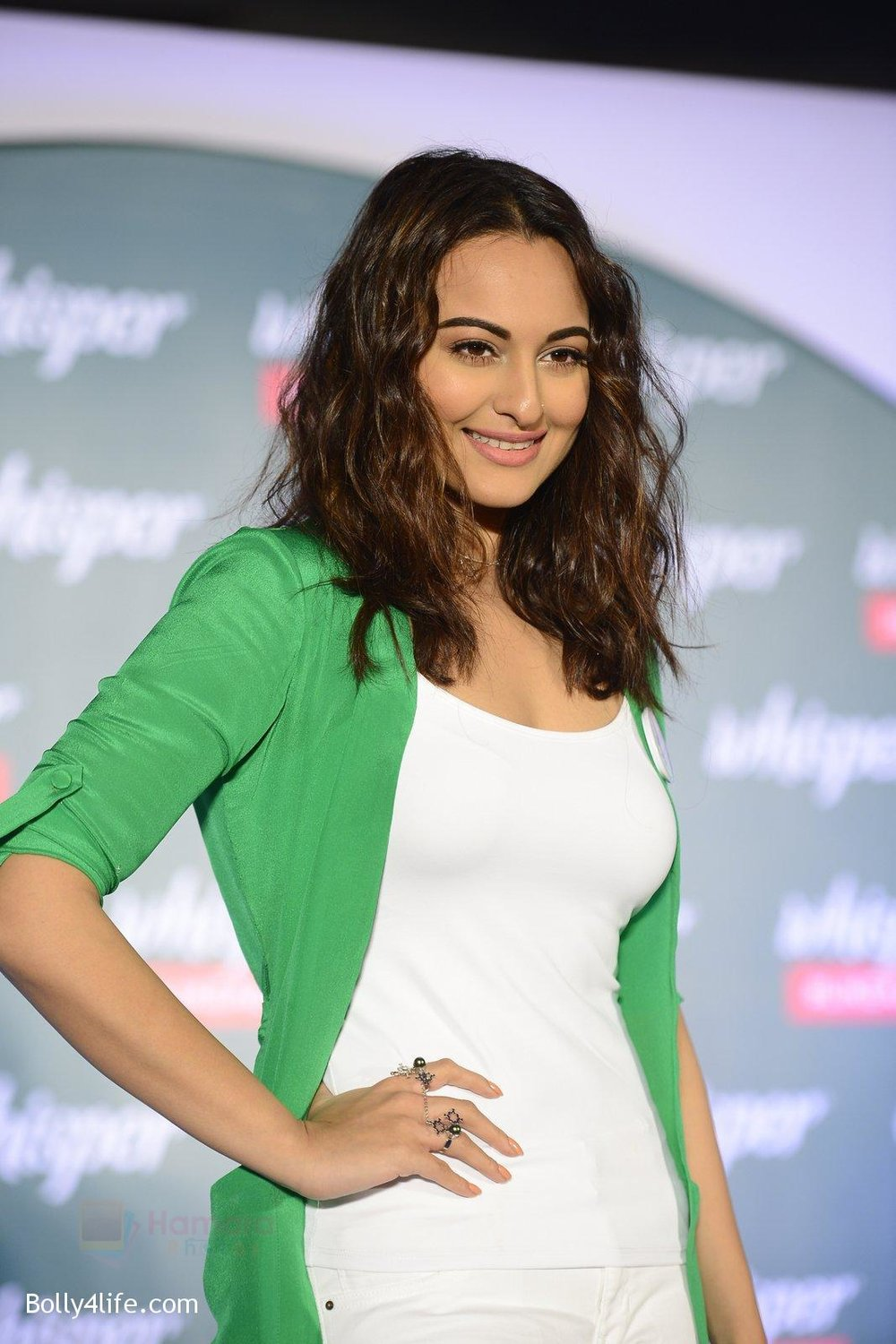 Sonakshi-Sinha-at-Whisper-new-campaign-launch-on-20th-Sept-2016-80.jpg