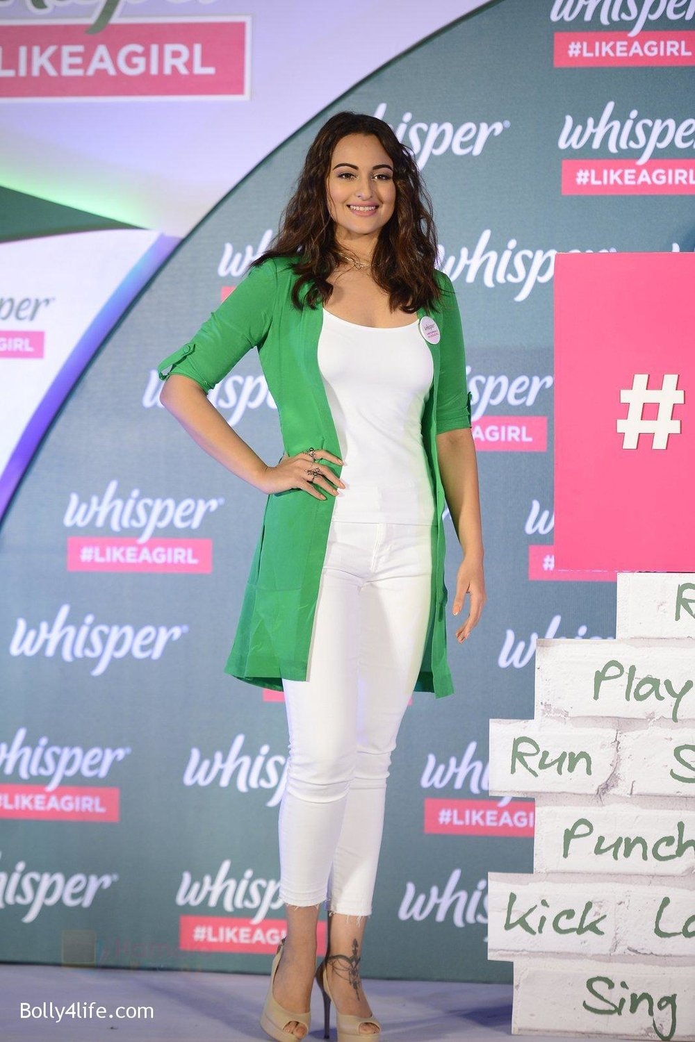 Sonakshi-Sinha-at-Whisper-new-campaign-launch-on-20th-Sept-2016-103.jpg