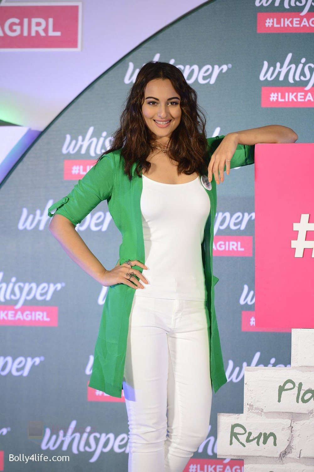 Sonakshi-Sinha-at-Whisper-new-campaign-launch-on-20th-Sept-2016-105.jpg