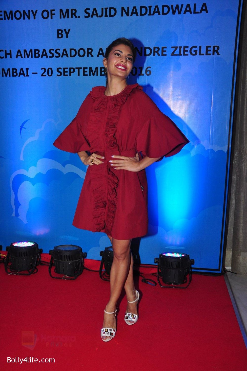Jacqueline-Fernandez-at-the-launch-of-Sajid-Nadiadwala_s-france-honours-on-20th-Sept-2016-114.jpg