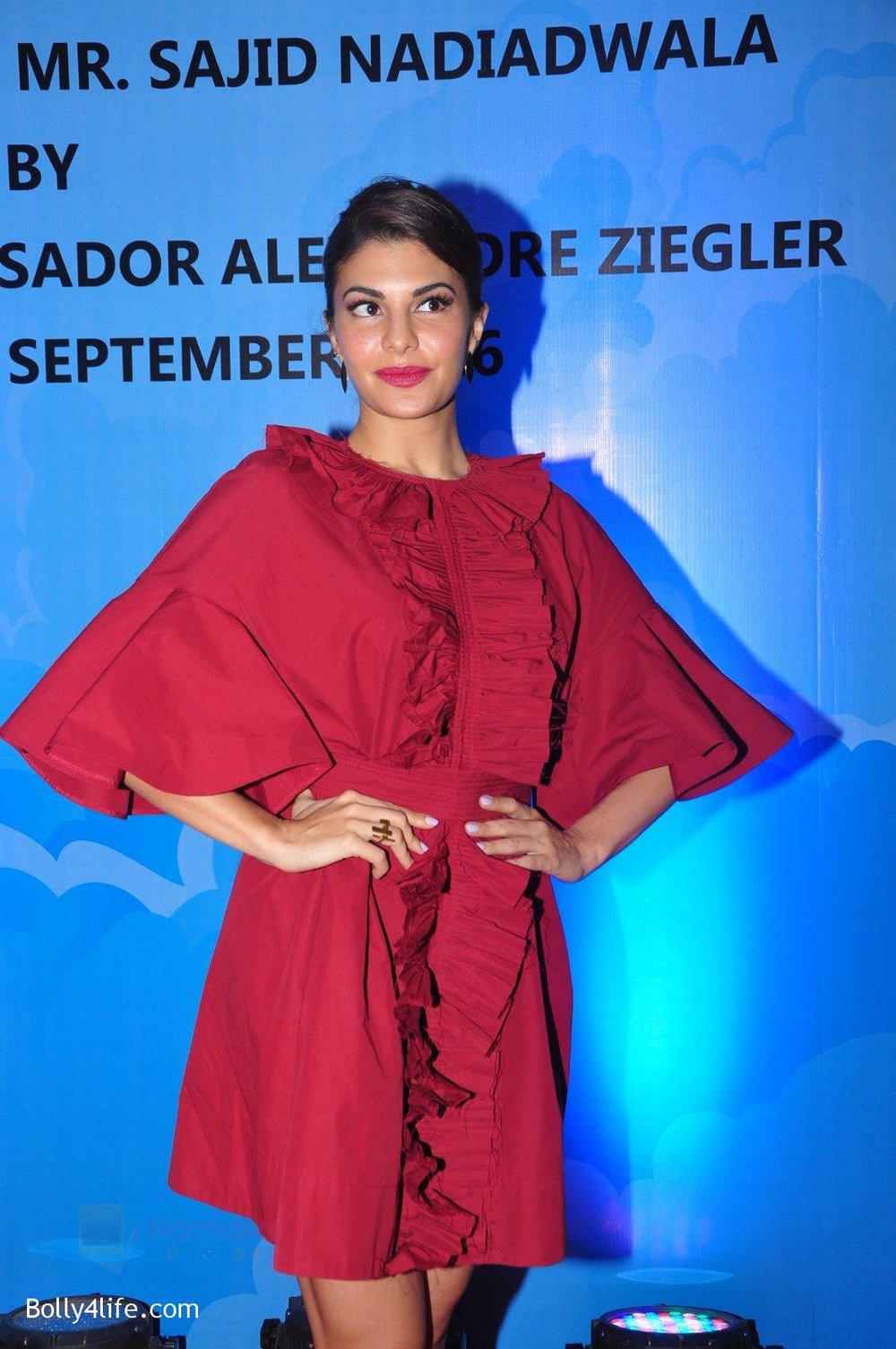 Jacqueline-Fernandez-at-the-launch-of-Sajid-Nadiadwala_s-france-honours-on-20th-Sept-2016-117.jpg