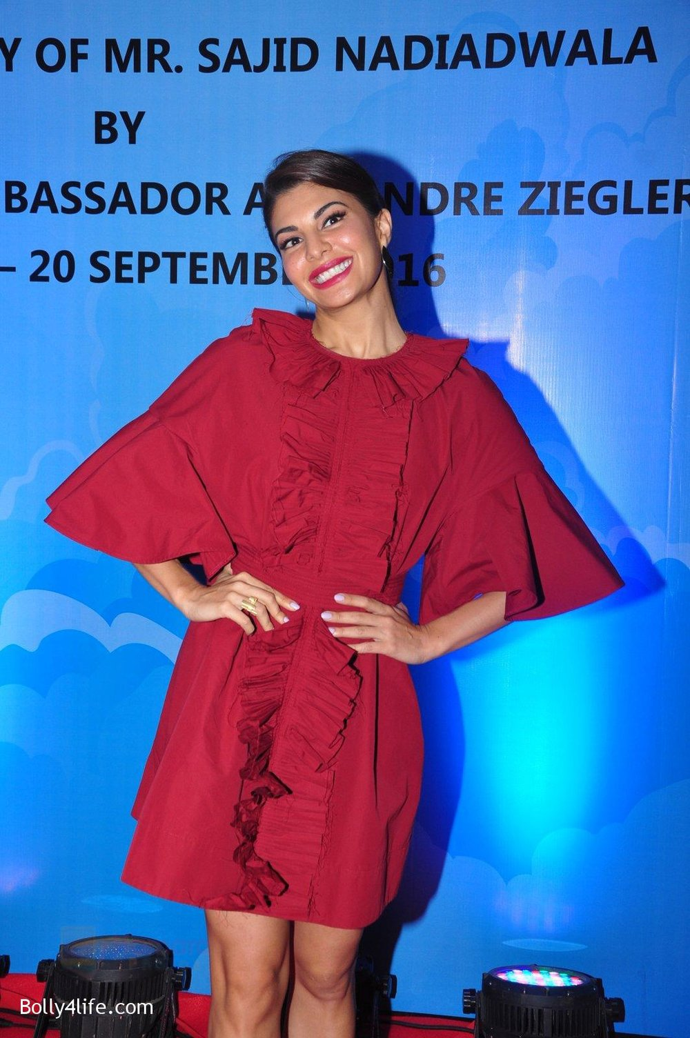 Jacqueline-Fernandez-at-the-launch-of-Sajid-Nadiadwala_s-france-honours-on-20th-Sept-2016-118.jpg