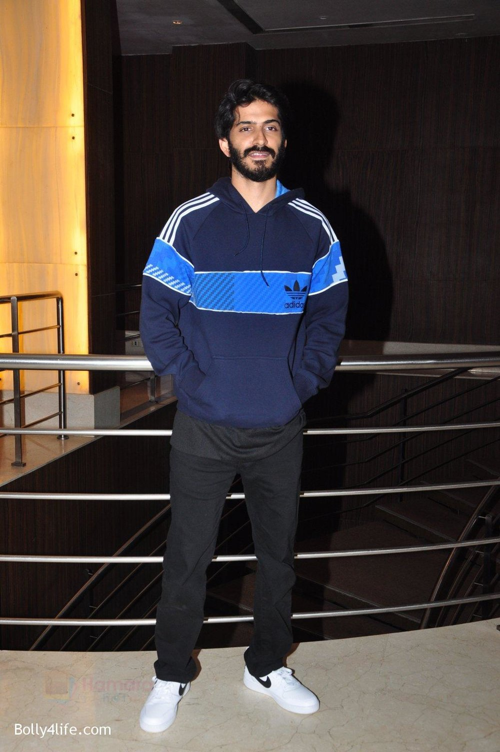 Harshvardhan-Kapoor-snapped-at-the-promotion-of-film-Mirzya-on-20th-Sept-2016-35.jpg