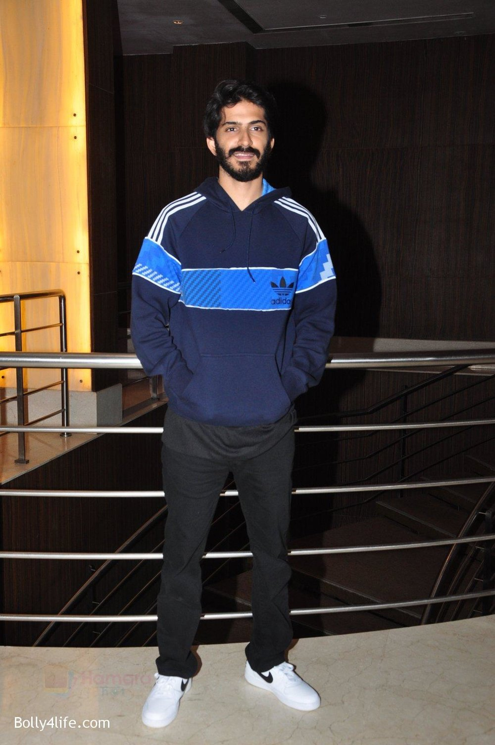 Harshvardhan-Kapoor-snapped-at-the-promotion-of-film-Mirzya-on-20th-Sept-2016-37.jpg