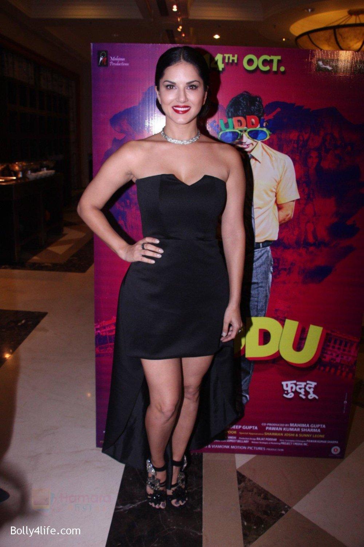 Sunny-Leone-at-the-launch-of-film-Fuddu-song-Tu-Zaroorat-Nahi-Tu-Zaroori-Hai-on-20th-Sept-2016-19.jpg