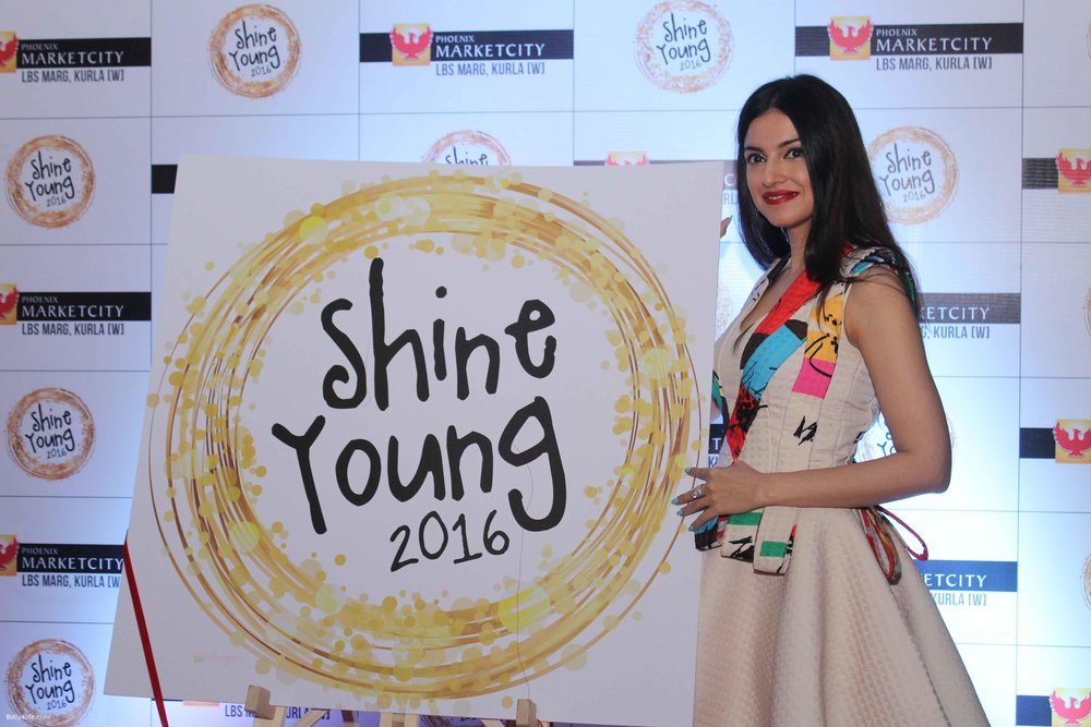 Divya-Khosla-at-Young-Shine-2016-Launch_57.jpg