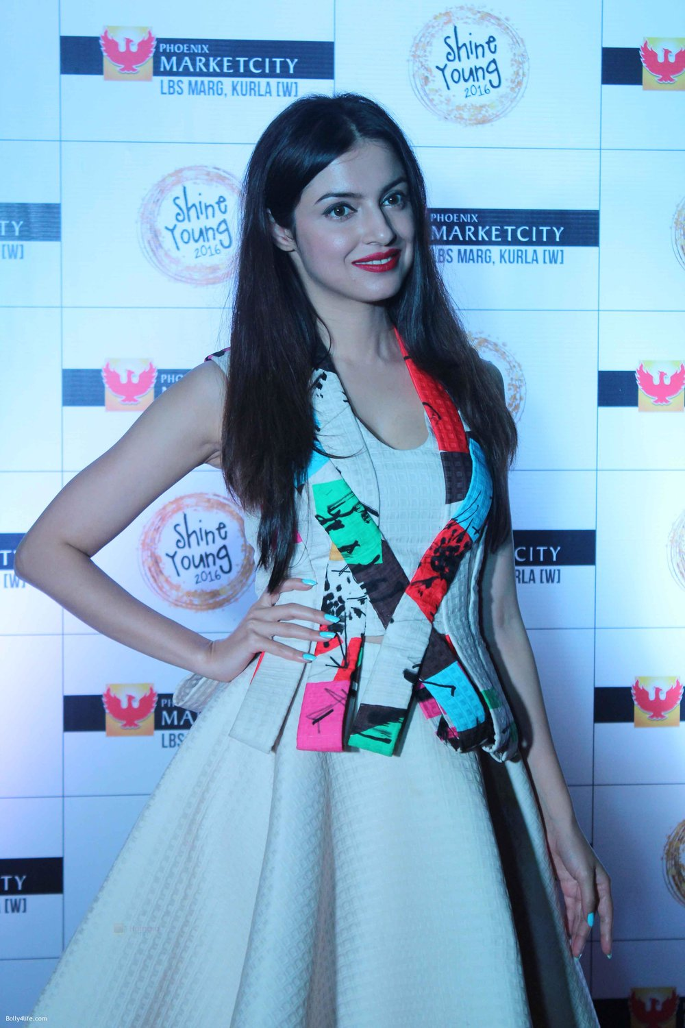 Divya-Khosla-at-Young-Shine-2016-Launch2.jpg
