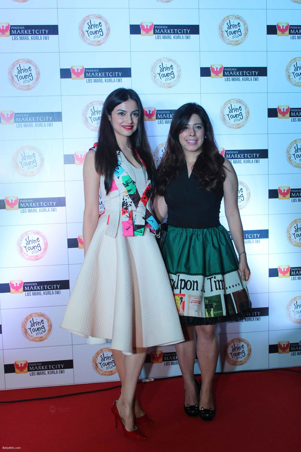 Divya-Khosla-with-Priya-Kumar-at-Young-Shine-2016-Launch.jpg