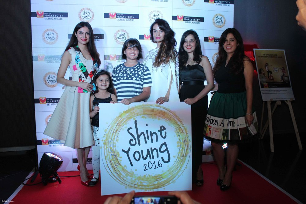 Gwen-Athaide-Priya-Kumar-Divya-Khosla-Karishma-Modi-and-Amy-Billimoria-at-Young-Shine-2016-Launch2_5.jpg