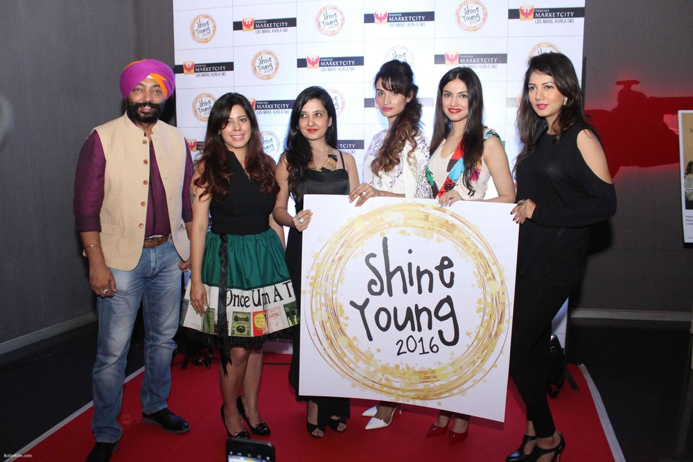 Harpal-Singh-Gwen-Athaide-Priya-Kumar-Divya-Khosla-Karishma-Modi-and-Amy-Billimoria-at-Young-Shine-2016-Launch1.jpg