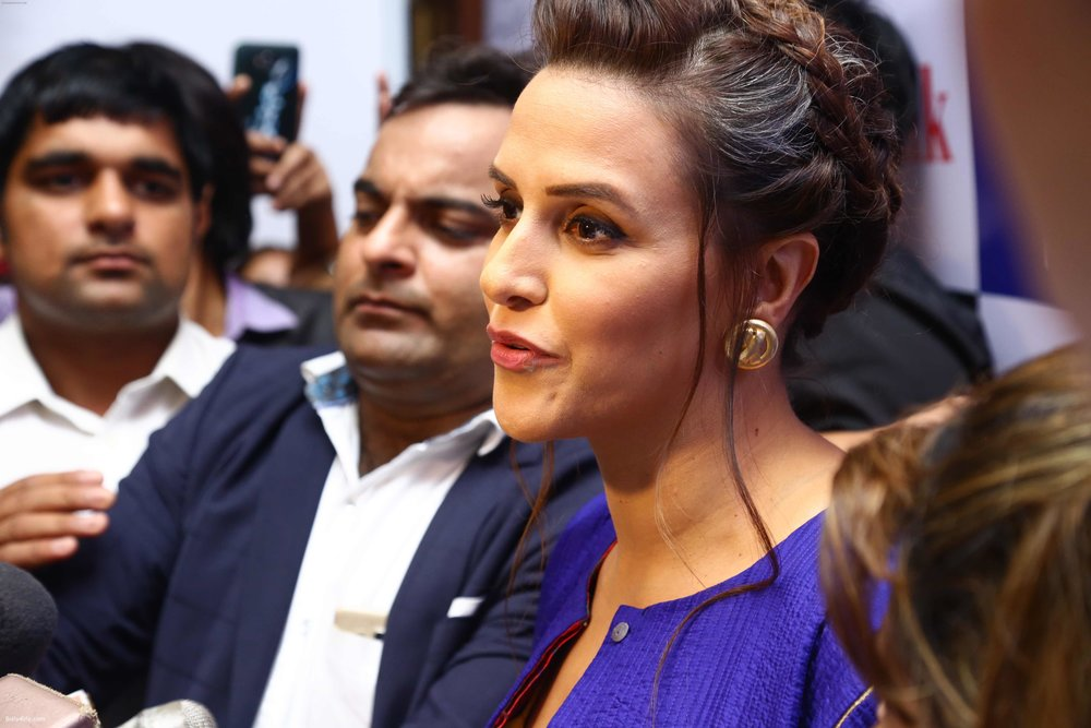 Neha-Dhupia-during-the-I-Diva-Salon-Awards-on-22nd-Sept-2016-1.jpg
